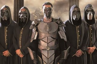 """Mystisten profeettojen kollektiivi Supreme Unbeing yhdisti voimansa elokuvatähti Dragomir Mrsicin kanssa: """"Face of Evil"""" -single on ensimmäinen makupala ensi vuoden albumijulkaisulta"""